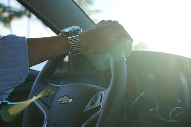 車の中でプロポーズ